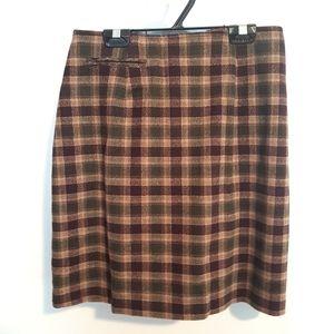Vintage Wool blend plaid skirt (w pocket!)